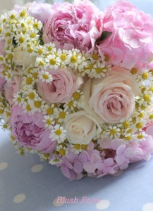 vintage-style-pastel-flowers-for-wedding-bouquets-www_blusPhoto Inspiration